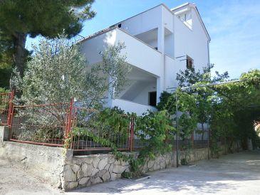 Property Stomorska (Šolta) - Accommodation 11528 - Apartments with pebble beach.