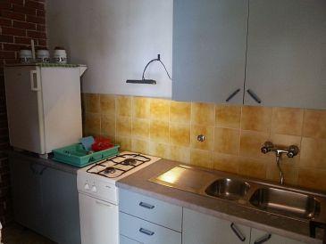 Lavdara, Kitchen 1 u smještaju tipa house.