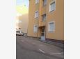 Parking lot Podstrana (Split) - Accommodation 11610 - Apartments with pebble beach.