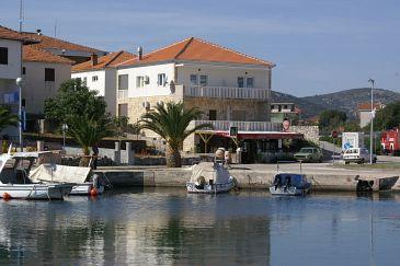 Obiekt Marina (Trogir) - Zakwaterowanie 1164 - Apartamenty blisko morza ze żwirową plażą.