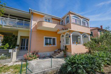 Property Kaštel Stari (Kaštela) - Accommodation 11641 - Apartments near sea with pebble beach.