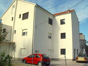 Property Kaštel Lukšić (Kaštela) - Accommodation 11677 - Apartments with pebble beach.