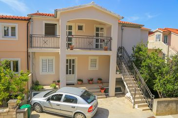 Hvar, Hvar, Property 11681 - Apartments with pebble beach.