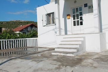 Property Poljica (Trogir) - Accommodation 11721 - Apartments near sea with pebble beach.