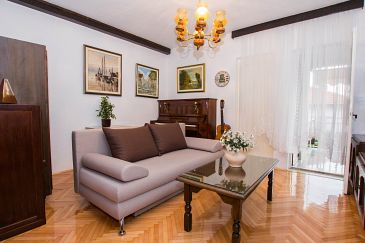 Apartment A-11760-a - Apartments Trogir (Trogir) - 11760