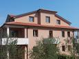 Property Dajla (Novigrad) - Accommodation 11845 - Apartments with pebble beach.