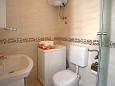 Zečevo Rtić, Bathroom u smještaju tipa apartment, WIFI.