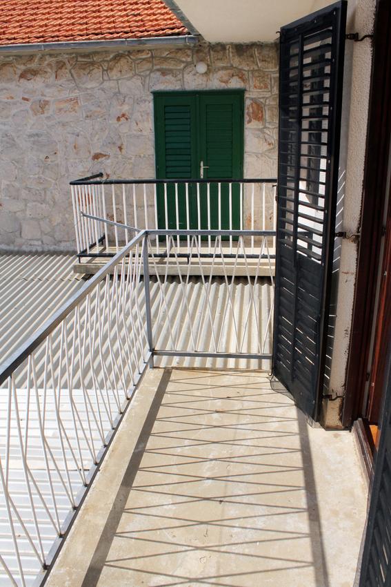 Apartmány s parkoviskom v meste Zavala - 128