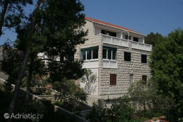 Property Lumbarda (Korčula) - Accommodation 177 - Apartments near sea with rocky beach.