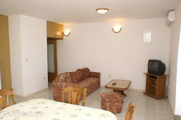 Apartment A-2041-b - Apartments Seget Donji (Trogir) - 2041