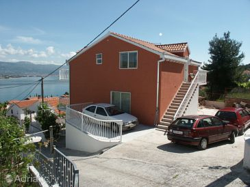 Mastrinka, Čiovo, Property 2042 - Apartments with pebble beach.