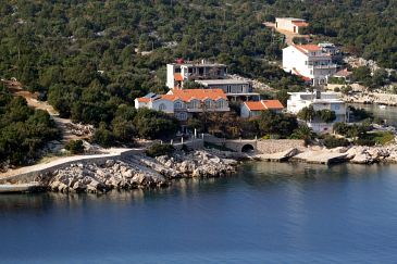 Property Uvala Pokrivenik (Hvar) - Accommodation 2073 - Apartments near sea.