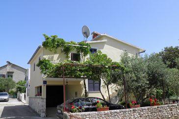 Obiekt Uvala Ljubljeva (Trogir) - Zakwaterowanie 2194 - Apartamenty blisko morza ze żwirową plażą.
