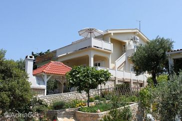 Property Potočnica (Pag) - Accommodation 223 - Apartments near sea with sandy beach.