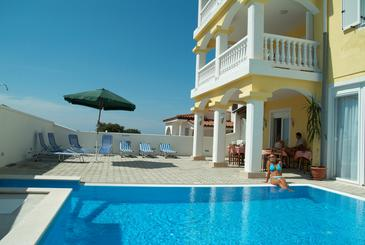 Property Peroj (Fažana) - Accommodation 2235 - Rooms with pebble beach.