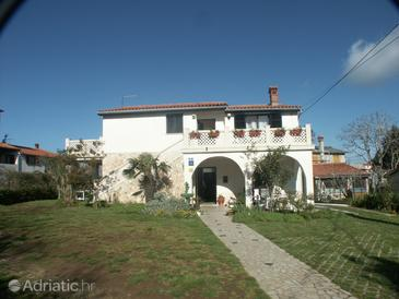 Property Premantura (Medulin) - Accommodation 2246 - Apartments and Rooms with pebble beach.