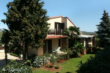 Property Rovinj (Rovinj) - Accommodation 2273 - Apartments with pebble beach.