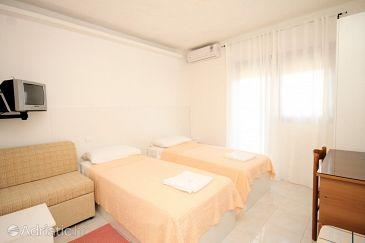 Room S-2296-d - Apartments and Rooms Fažana (Fažana) - 2296