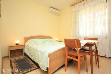 Room S-2305-b - Apartments and Rooms Medveja (Opatija) - 2305