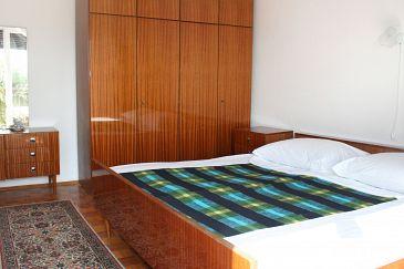Room S-2350-c - Apartments and Rooms Novi Vinodolski (Novi Vinodolski) - 2350