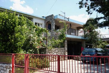 Selce, Crikvenica, Property 2381 - Apartments with pebble beach.
