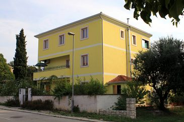 Property Rovinj (Rovinj) - Accommodation 2401 - Apartments with pebble beach.