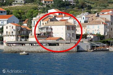 Property Komiža (Vis) - Accommodation 2433 - Apartments near sea with pebble beach.