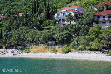 Trpanj, Pelješac, Property 258 - Apartments and Rooms blizu mora with pebble beach.