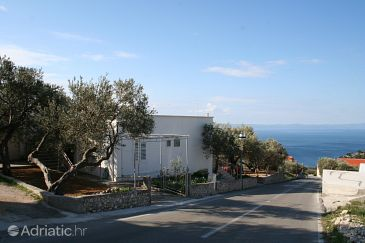 Property Veliko Brdo (Makarska) - Accommodation 2598 - Apartments with pebble beach.