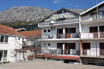 Property Podaca (Makarska) - Accommodation 2613 - Apartments and Rooms with pebble beach.