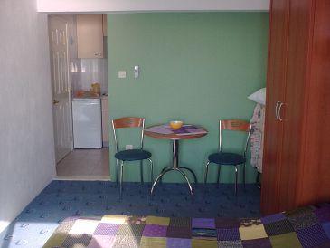 Podgora, Dining room u smještaju tipa studio-apartment, WIFI.