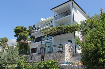 Property Bratuš (Makarska) - Accommodation 2627 - Apartments with pebble beach.