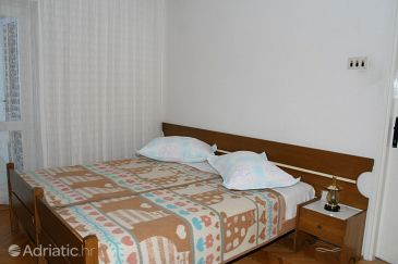 Room S-2664-a - Apartments and Rooms Brela (Makarska) - 2664