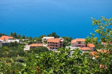 Property Brela (Makarska) - Accommodation 2665 - Apartments with pebble beach.