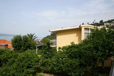 Property Baška Voda (Makarska) - Accommodation 2678 - Apartments near sea with pebble beach.