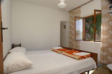 Drvenik Gornja vala, Bedroom u smještaju tipa room.
