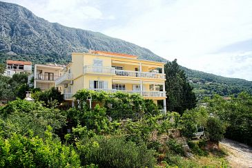 Živogošće - Porat, Makarska, Property 2733 - Apartments and Rooms blizu mora with pebble beach.