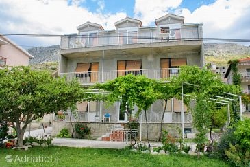 Property Duće (Omiš) - Accommodation 2748 - Apartments near sea with sandy beach.