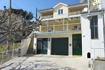 Property Omiš (Omiš) - Accommodation 2760 - Apartments with sandy beach.