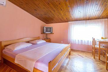 Duće, Bedroom u smještaju tipa room, dostupna klima i WIFI.
