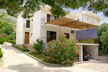 Property Medići (Omiš) - Accommodation 2770 - Apartments near sea with pebble beach.