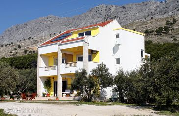 Property Duće (Omiš) - Accommodation 2778 - Apartments with sandy beach.