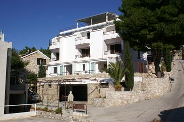 Property Nemira (Omiš) - Accommodation 2782 - Apartments near sea with pebble beach.