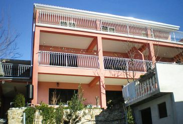 Stanići, Omiš, Property 2800 - Apartments with pebble beach.
