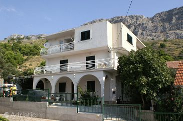 Property Duće (Omiš) - Accommodation 2801 - Apartments with sandy beach.