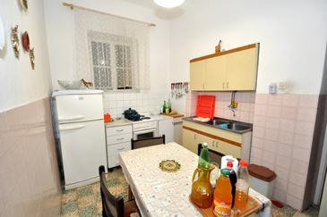 Room S-2811-a - Apartments and Rooms Mali Rat (Omiš) - 2811