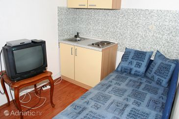 Apartment A-2825-a - Apartments Pisak (Omiš) - 2825