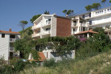 Obiekt Duće (Omiš) - Zakwaterowanie 2830 - Apartamenty blisko morza z piaszczystą plażą.