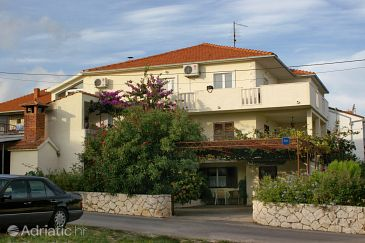 Property Supetar (Brač) - Accommodation 2845 - Apartments with pebble beach.