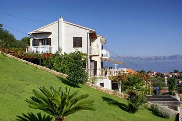 Property Sutivan (Brač) - Accommodation 2864 - Apartments with pebble beach.